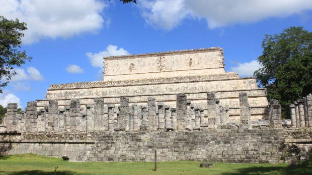 The temple of Warriors in Chichen Itza.