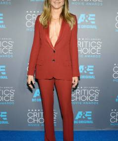 The exposed cleavage idea is all her own but actress Jennifer Aniston showcases the monotone slimming trick in this outfit that she wore to the Critics' Choice Movie Awards in Los Angeles last week.