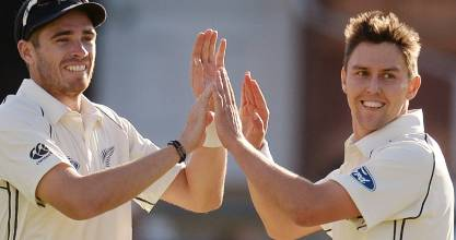 Cricket - England v New Zealand - Investec Test Series First Test - Lord?s - 21/5/15 New Zealand's Tim Southee celebrates with Trent Boult after the dismissal of England's Jos Buttler  Action Images via Reuters / Philip Brown Livepic