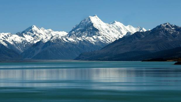 A missing climber on Mt Cook has a personal locator beacon that has not been activated.