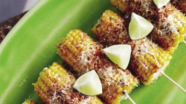Grilled corn cobs are a common street food in Mexico. This recipe is ...