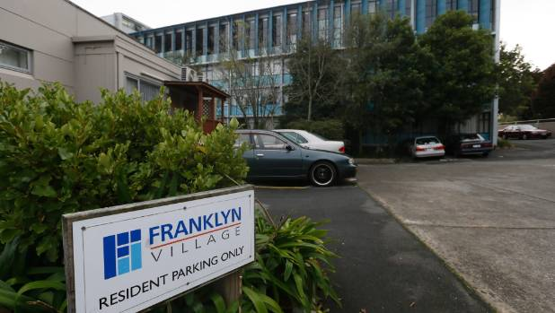 Two year old falls from window at nelson 39 s franklyn for 2 year old falls out of window