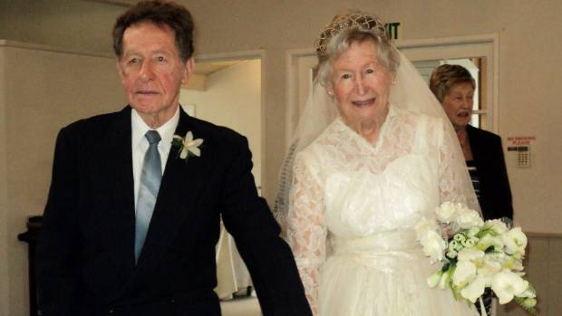 Auckland bride fits wedding dress 60 years later to for Wedding dresses for 60 year olds