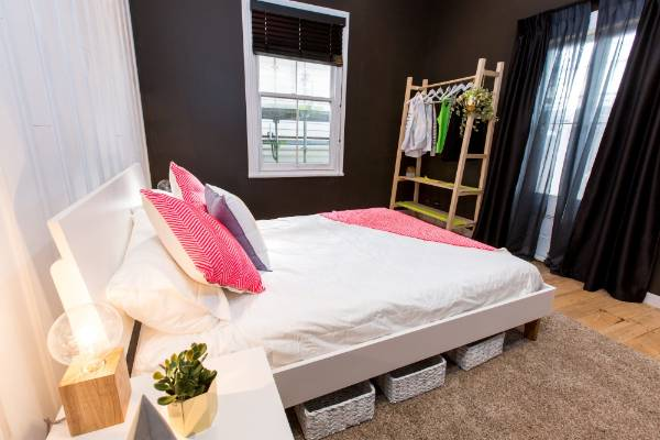 The judges praised Jamie and Hayden for their take on a modern guest room.