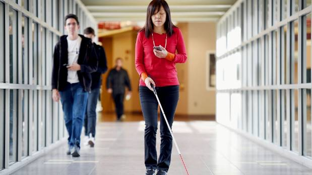 Smartphone app helps blind people get around