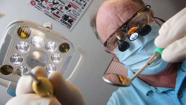 Timaru dentist Mark Goodhew wants pressure put on the Timaru District Council to fluoridate the district's water supply.