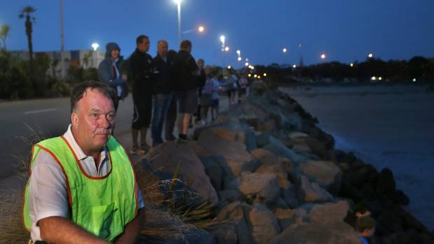 Timaru Penguins coordinator Petter Bennett says a penguin was caught in a flounder net on Friday night and restrictions about the nets' use near the colony are needed.