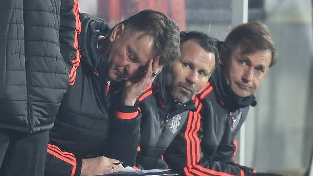Man United 'to appoint Giggs over Mourinho'