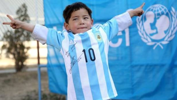 Lionel Messi gives young fan signed jersey