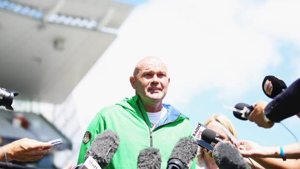 NZ cricket great Martin Crowe talks about his battle with cancer, early in 2015.