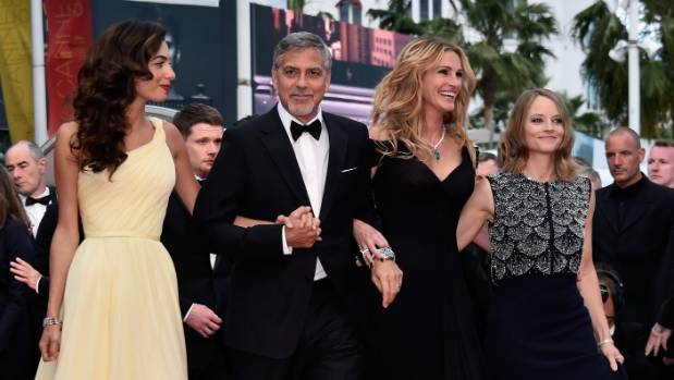 Julia Roberts defies strict Cannes red carpet rules    | Stuff.co.nz