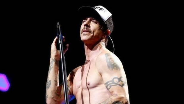 Red Hot Chili Peppers frontman Anthony Kiedis hospitalised, show cancelled   | Stuff.co.nz