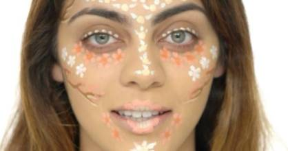 Flower contouring is super-pretty and so effective.
