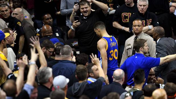 VIP Cavaliers fan hit by Steph Curry mouthguard: 'It's all good'