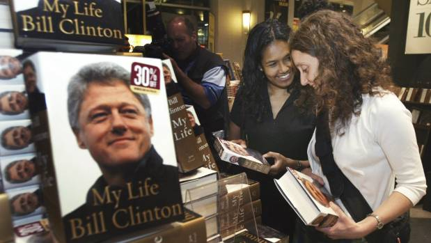 US magazine Slate divided analysing American president Bill Clinton's autobiography 'My Life' between three reviewers - ...