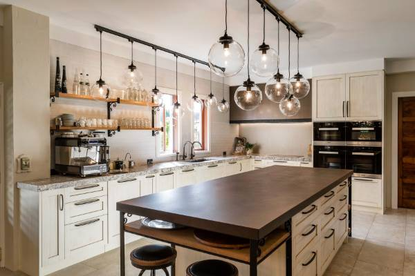 Renovated kitchen responds to italian country architecture for Country style kitchen nz