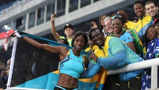 Former Bulldog Shaunae Miller Dives For Gold