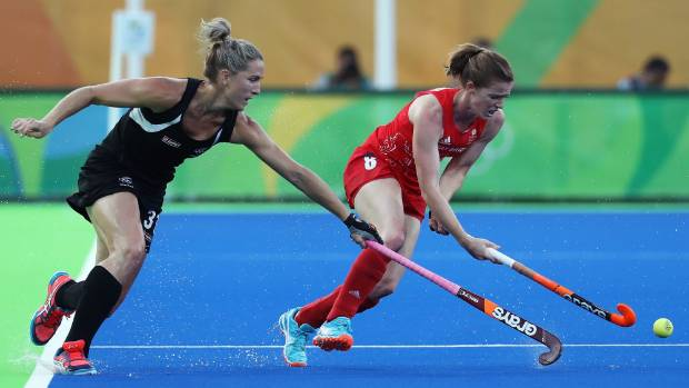 Maddie Hinch saves four penalties as Great Britain's women win hockey gold
