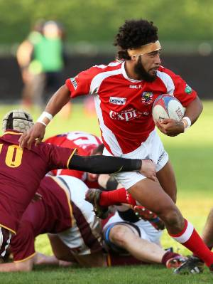 Red Devils winger Ula Fotu on the charge against Southland B at Lansdowne Park on Saturday.
