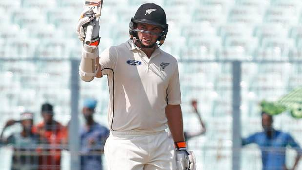 India extends lead over New Zealand in 2nd test to 339 runs