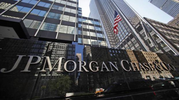 JPMorgan Chase & Co will pay US$550 million after pleading guilty to felony charges of conspiring to manipulate the price of US dollars and euros.