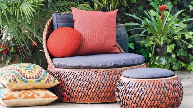 Bring in pouffes, cushions, outdoor cushions and beanbags to create impromptu areas.